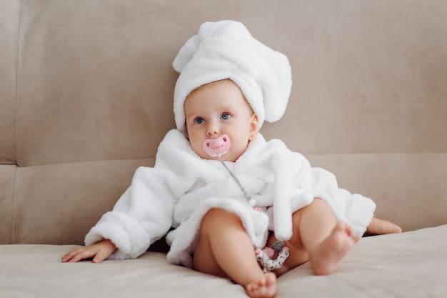 Ini Karakter Unik Bayi yang Lahir di Hari Rabu