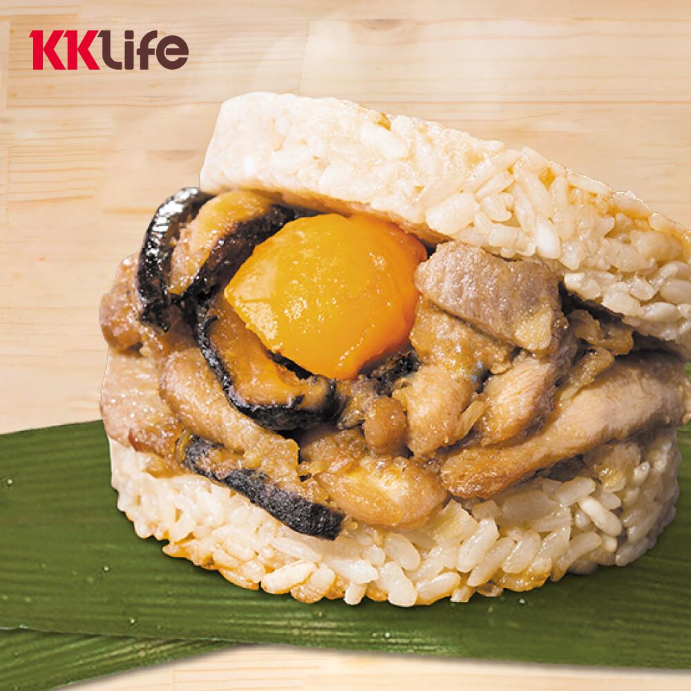 商品名稱:粽香滷肉米膳堡 品牌:KK Life-紅龍 商品種類:米漢堡 內容量 :177g/顆,6顆/盒 保存方式:保持冷凍 -18℃以下 食用方式: 1.將米膳堡從包裝盒取出 2.連同白色包裝袋放置