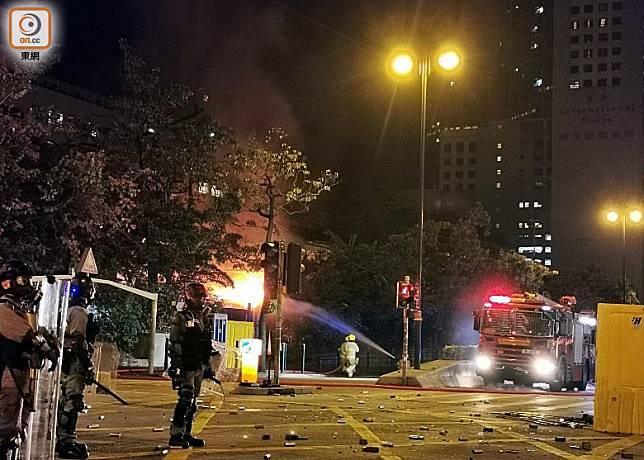 尖沙咀警署發生火警。(沈厚錚攝)