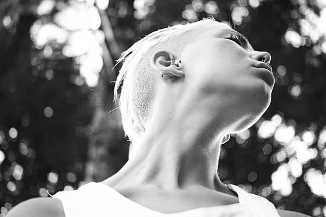 年逾50歲女性一半有這毛病  快搞懂甲狀腺結節要不要緊?