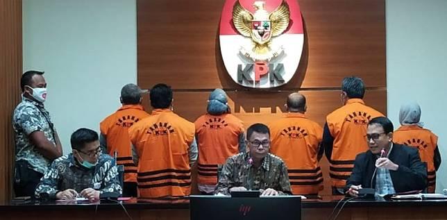 KPK geledah 10 lokasi terkait kasus Bupati Kutim