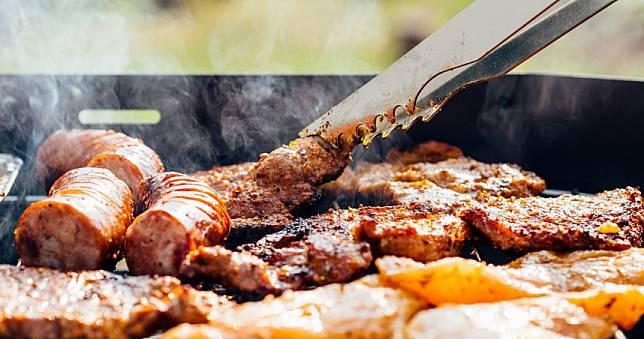新研究發現:人們不用少吃紅肉