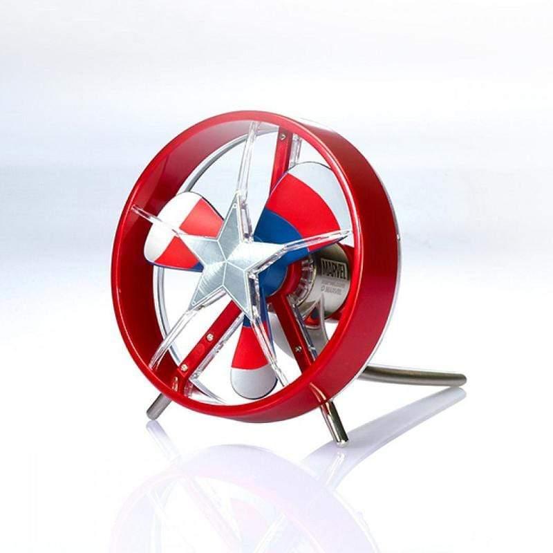 產品特色 漫威官方正式授權商品 七段仰角可調式風向(轉動手把) 觸碰式三段風力開關 強力靜音高效能馬達 復古戰機螺旋槳設計 藍紅風扇搭配金屬把手 USB 5V供電省電設計 接行動電源外出可用 台灣設計