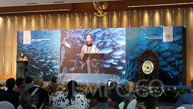 Maritime Affairs and Fisheries Minister Susi Pudjiastuti delivers an opening speech at the International Fish Force Academy of Indonesia Regional Training for Investigators and Prosecutors for African Countries at the Mina Bahari III Building, Central Jakarta, Monday, July 22, 2019. TEMPO/Dias Prasongko