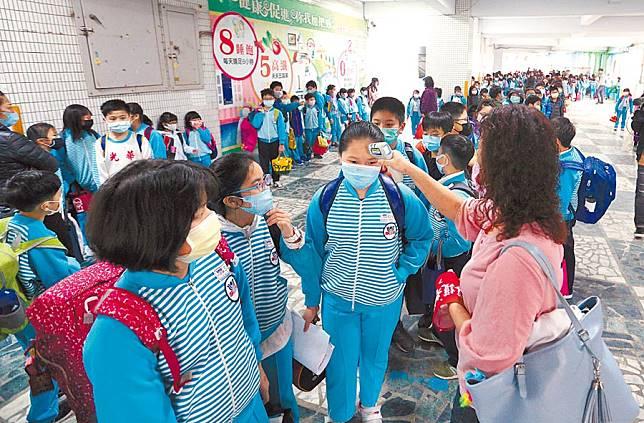 最冷清開學日 新北台中萬人缺課