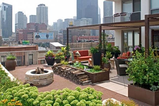 Tips Mendesain Atap Rumah Menjadi Taman Terbuka