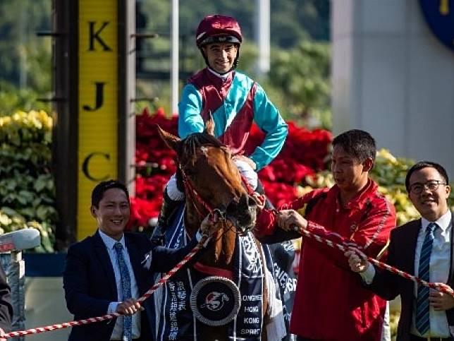 莫雷拉策騎本港代表馬「爭分奪秒」奪得香港短途錦標。(法新社)