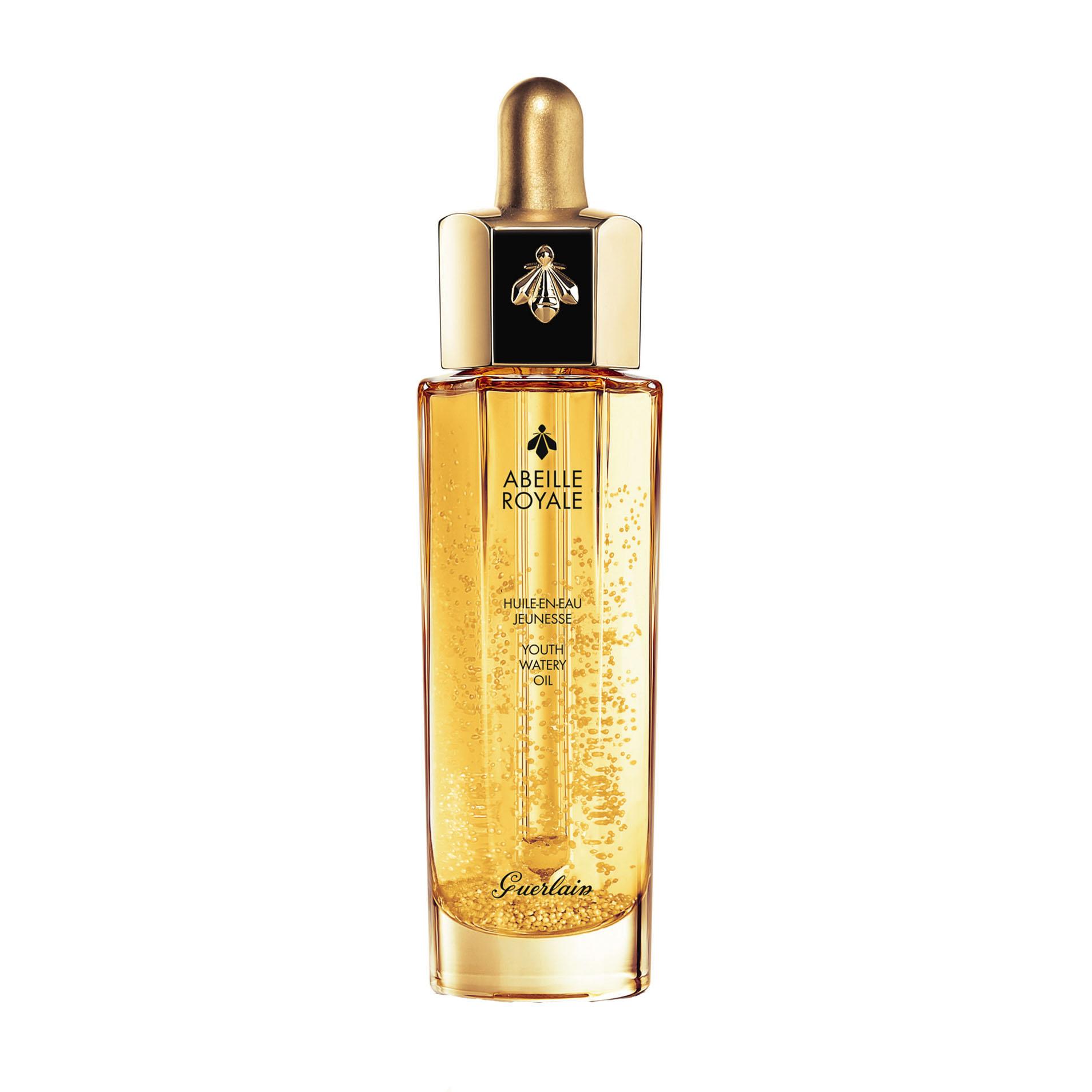 全新一代「皇家蜂王乳平衡油」,以更清新的水感質地,為肌膚缺水補水、缺油補油,油水協力恢復平衡美肌。享受輕盈如水、柔滑似蜜的的舒適和清新,更添加獨特的黃金微粒,使用前先搖一搖,讓沉澱瓶身底部的黃金微粒藉