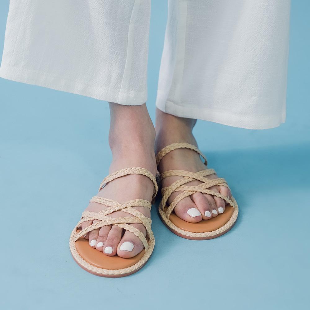 大自然草編麻花繫帶涼鞋