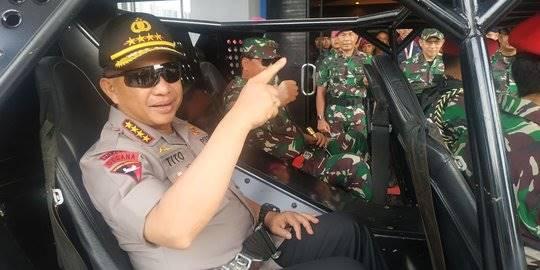 Kapolri Tito Karnavian dan Penglima TNI tinjau pengamanan pelantikan presiden dan wapres. ©2019 Merdeka.com