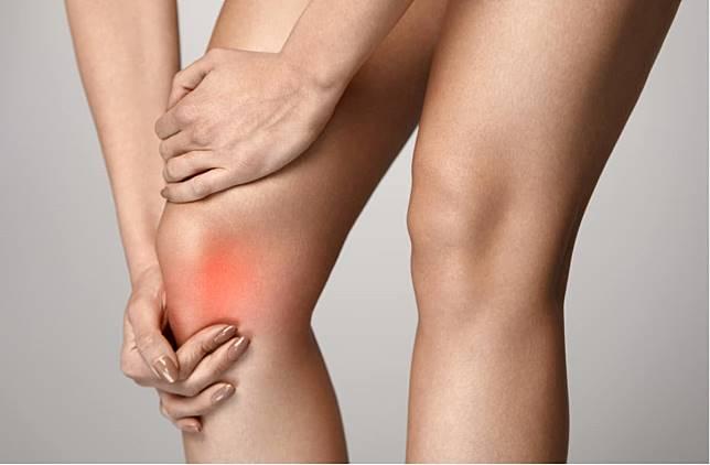 膝蓋腫脹疼痛發燒發冷~這些狀況要看醫師