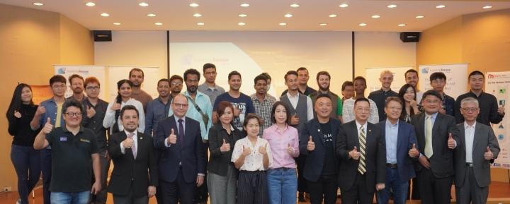 第2屆Sigfox Hacking House活動受到眾多國內外政、商界人物支持,也吸引許多國外參加者共襄盛舉。