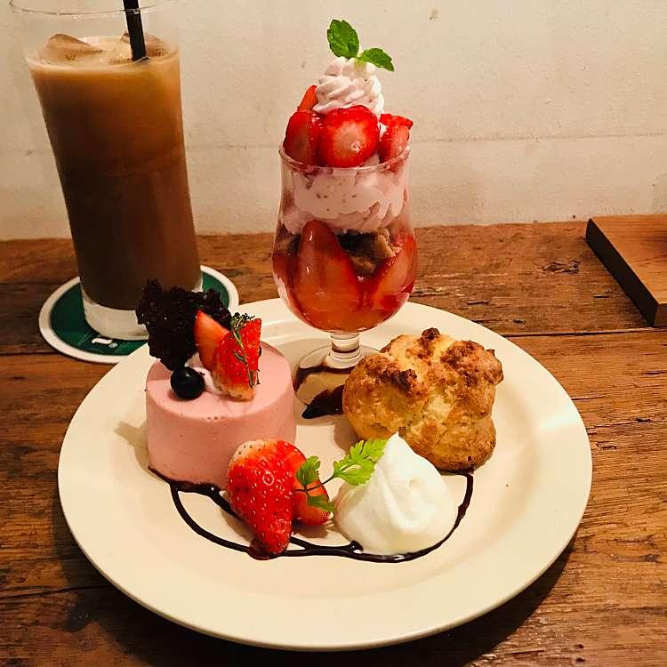 ユーザーが投稿したおやつプレートの写真 - 実際訪問したユーザーが直接撮影して投稿した新宿カフェカフェ ウォールの写真