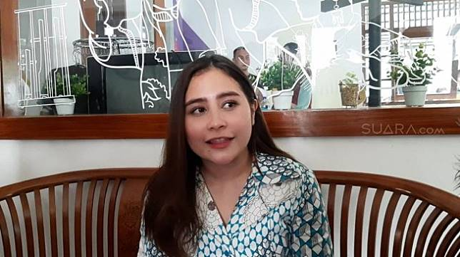 Prilly Latuconsina Dituduh Rebut Pacar Safira Crespin