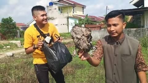 Viral Aksi Prank YouTuber Beri Daging Ternyata Isi Sampah