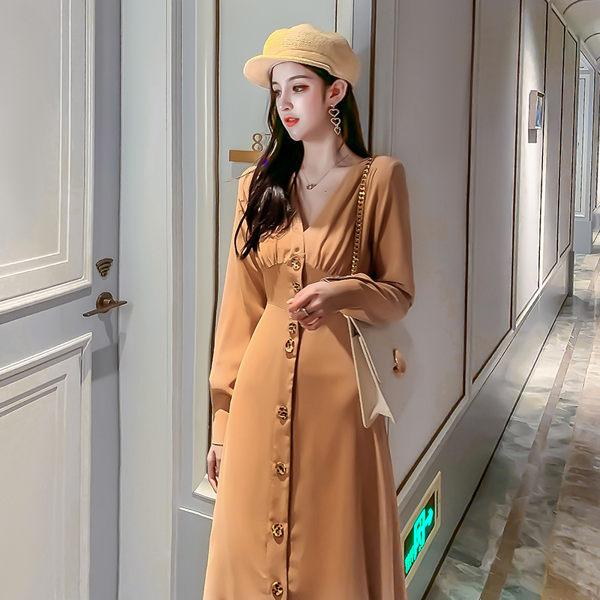 VK精品服飾 韓系時尚V領氣質單排釦長版收腰長袖洋裝