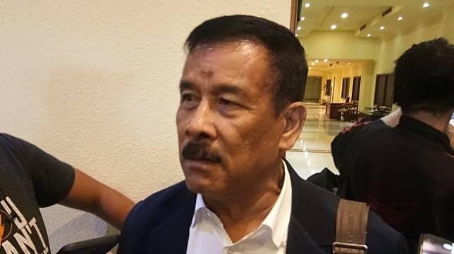 Manajer Persib Bandung Umuh Muchtar ditemui wartawan di Hotel Sultan, Jakarta, Senin (18/2/2019) [Suara.com/Adie Prasetyo]