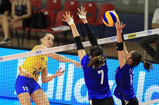 สู้ไม่ถอย! ตบสาวไทย พ่ายบราซิล 3-1 เซต เกมที่สอง ศึกเนชั่นส์ ลีก สนาม 5
