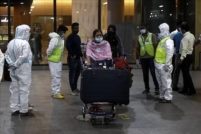 Nigeria melarang pelancong yang datang dari India, Brasil, dan Turki  karena kekhawatiran tentang penyebaran virus corona (Foto: ilustrasi)