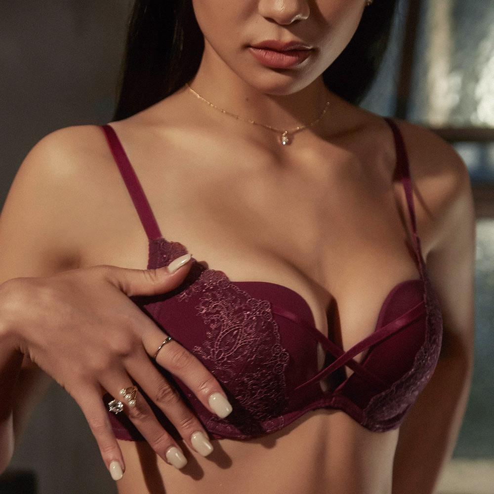 W鋼圈內衣【Rococo野蠻情人】宮廷蕾絲美胸X帶W鋼圈內衣(奢華紫紅)