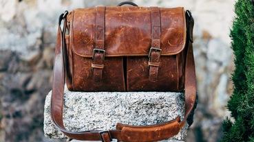 三分鐘搞懂皮革、水桶包保養!真皮包包保養、禁忌與好用皮革油推薦大公開~