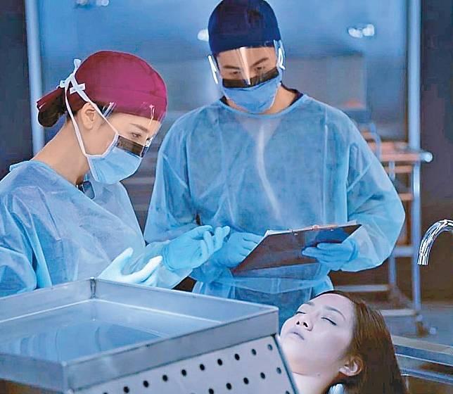 胡美貽憑《法證先鋒 IV 》扮演死屍的演出,引起觀眾注意。