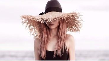 全球時尚編輯最愛借來拍照的帽子,原來就是這一頂~