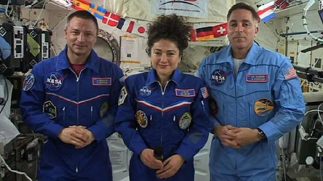 Cerita Astronot NASA Saksikan Virus Corona di Bumi dari ISS