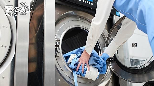 原PO到自助洗衣店洗衣服。示意圖/TVBS