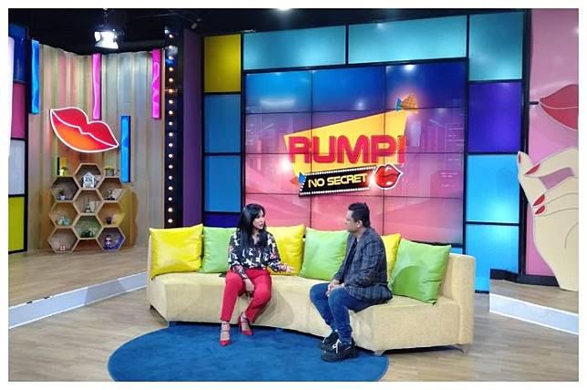 SELAIN Hotman Paris Show, Program Trans TV, 'Rumpi No Secret' juga mendapat teguran dari Komisi Penyiaran Indonesia (KPI)