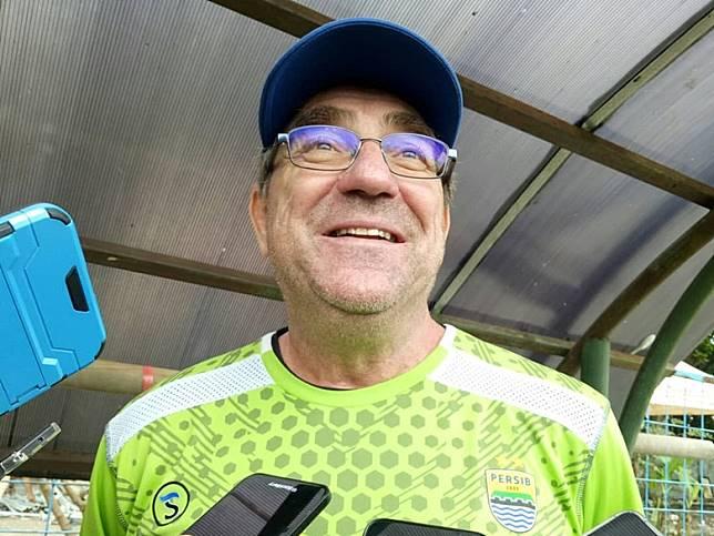Robert Alberts Beberkan Perbedaan Sepak Bola Indonesia dan Malaysia