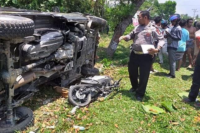 Seorang bocah berumur 14 tahun bawa mobil pikap tabrak pemotor hingga tewas