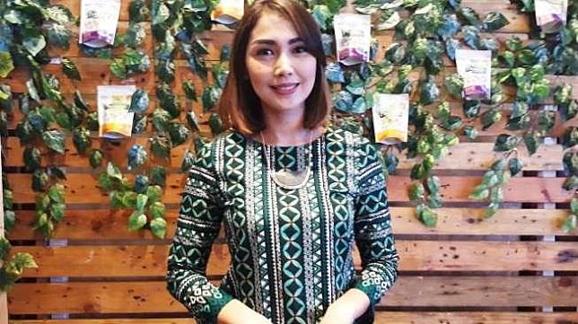 Fenita Arie Dilarikan ke Rumah Sakit 6dee749491