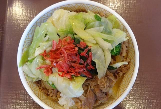 「すき家」的牛肉飯中碗價錢為380日圓。(互聯網)