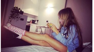 9 歲超模 Kristina Pimenova 被批照片帶有性暗示 女童母親:戀童癖才該看心理醫生!