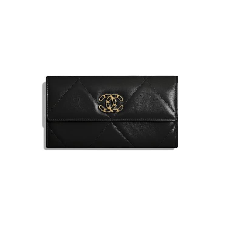 Chanel 19 口蓋長皮夾,NT40,700