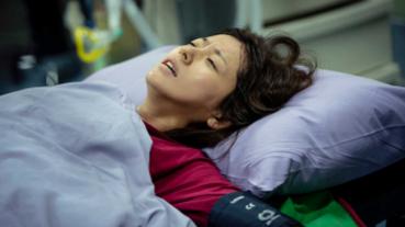 林予晞緊急送醫剖腹產 躺冰冷手術台發抖難止