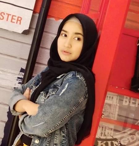 Foto Cantik Risma Nilawati Mantan Istri Ferry Maryadi Bagai Kakak Adik Dengan Anak Remajanya Dan Kini Pacaran Sama Rocker