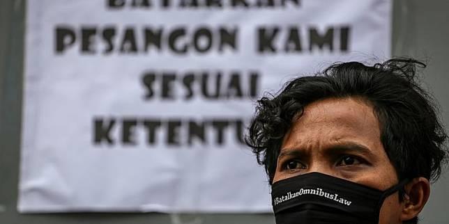 """KSPI: Buruh Lebih Butuh Solusi dari Ancaman PHK Ketimbang """"New Normal"""""""