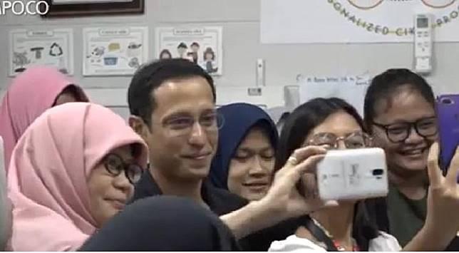 Mendikbud Nadiem Makarim bersama para guru dalam  Temu Pendidik Nusantara di Jakarta, 27 Oktober 2019. (Video Antara)