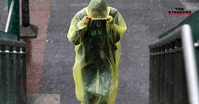 กรมอุตุฯ เตือนประชาชนใน 45 จังหวัดทั่วไทย ระวังอันตรายจากฝนตกหนักวันนี้