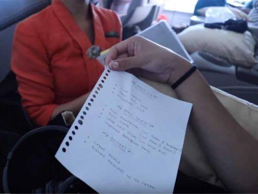 Menu tulisan tangan di pesawat Garuda Indonesia