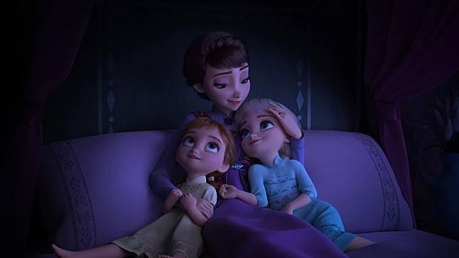 兩姐妹阿媽再次登場,一首搖籃曲原來暗藏王國背後的秘密。(互聯網)