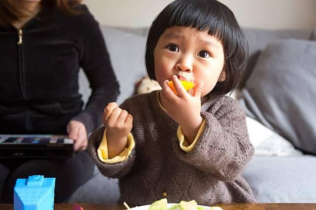 เลือกขนมให้ลูก ต้องเลือกที่สารอาหารดีและปลอดภัย