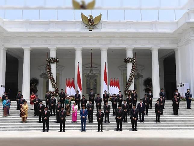 5 Menteri Kesayangan Jokowi Tak Tersentuh Reshuffle