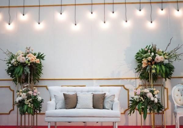 8 Ide Dekorasi Pelaminan Elegan Buat Di Rumah Sederhana