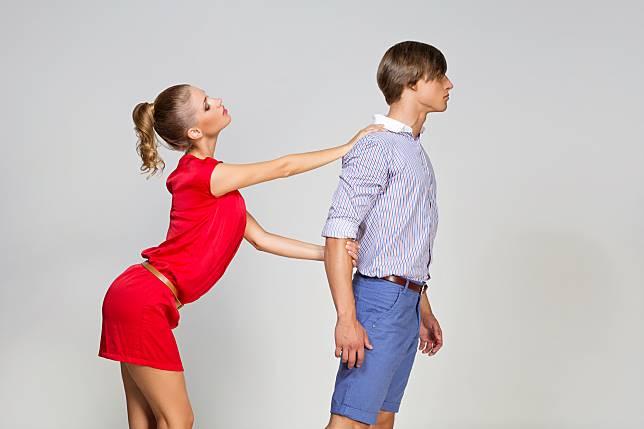 Mengenali Sifat Posesif Pasangan dan Cara Mengakhiri Hubungan dengannya