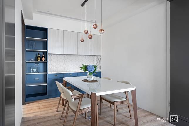 備餐櫃與餐桌
