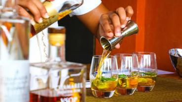 最受歡迎「經典調酒」TOP 10,莫西多、馬丁尼……每款都是酒吧人氣王!