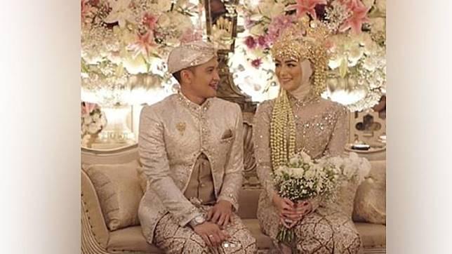 Rezky Adhitya dan Citra Kirana di acara resepsi pernikahan di Bandung, Ahad, 1 Desember 2019. Instagram